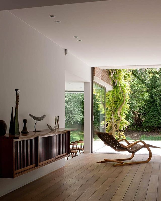 House D by architects Claire Bataille and Paul Ibens, Brussels, Belgium. Wall cabinet by George Nakashima (c.1960s) and a lounge chair model no.39 by Alvar Aalto (1937). Photograph by Jean-Luc Laloux. / Laloux #houseD #batailleibens#belgium #interior #interiordesign #architecture #modernism #nordicdesign #georgenakashima #alvaraalto #aalto #furniture #furnituredesign #midcenturymodern #MCM #scandinaviancollectors #americanstudio #americancraft