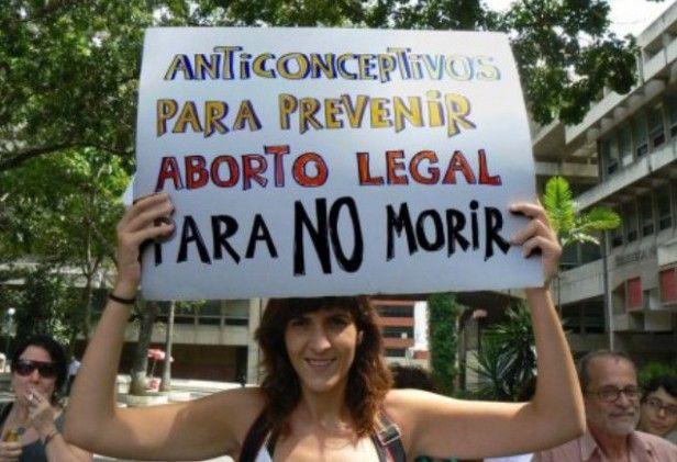 Piden ampliar legislación sobre interrupción de embarazo