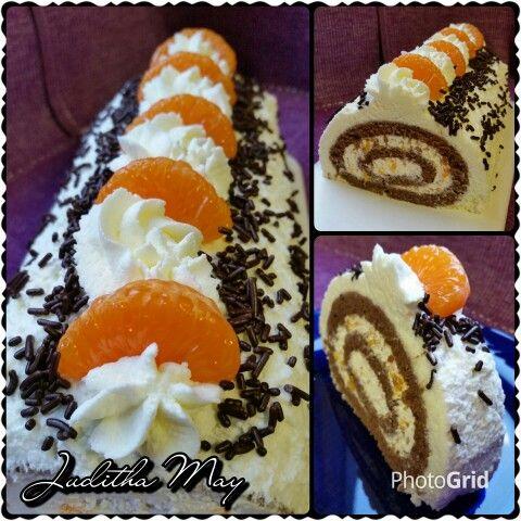 Kakaová roláda s tvarohovo - mandarinkovo - šlehačkovým krémem