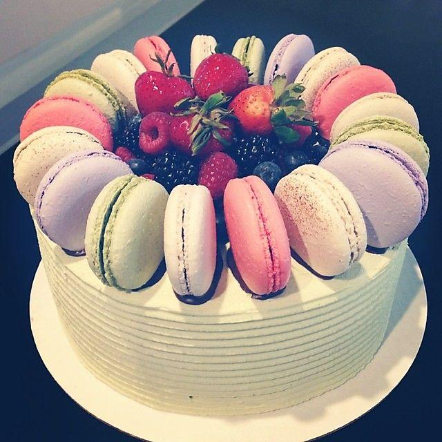 Wedding Desserts Winnipeg: 154 Best Cake With Macaron Images On Pinterest