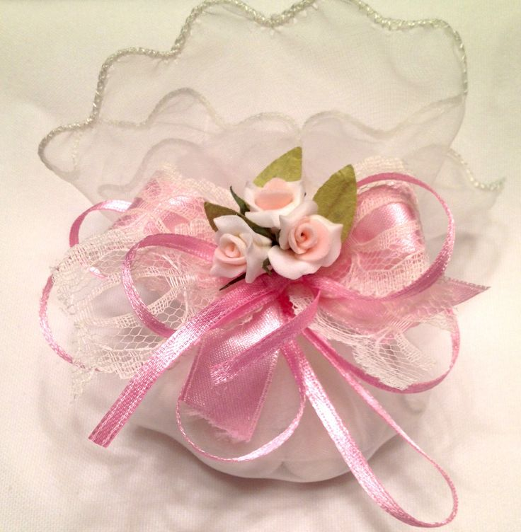 Vintage Pink Tulle Pouch - Our decorated tulle pouches are decorated with pink flowers and lace ribbon. - Flowers and ribbon come in various colors -Decorated Wrapper also comes with 5 Jordan Almonds, which signifes five wishes for the bride and groom: health, wealth, happiness, fertility, and longevity. -Perfect for wedding favors or baptism  #favor #pouches #bonbonniere #wedding #baptism #bridalshower #babyshower #satin #decor #candy #Jordanalmonds #lace #flower #pink