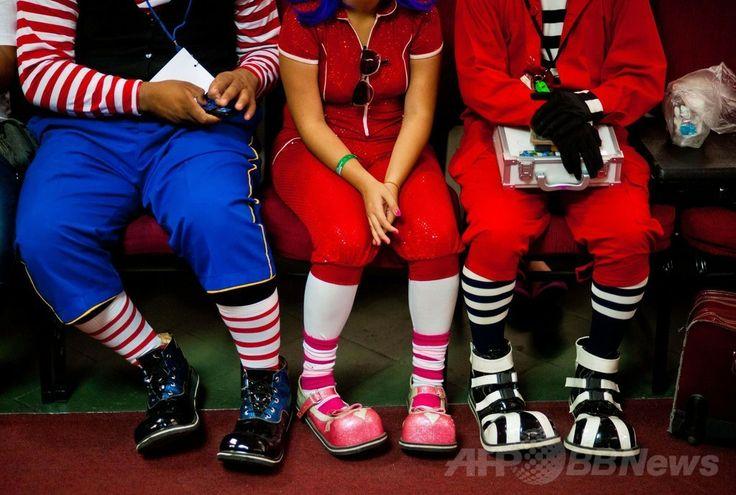 中米エルサルバドル首都サンサルバドル(San Salvador)で開催されたラテンアメリカのピエロの祭りに参加したピエロたち(2014年5月20日撮影)。(c)AFP/Jose CABEZAS ▼25May2014AFP|エルサルバドルにピエロ大集合 http://www.afpbb.com/articles/-/3015710 #San_Salvador #Clown #Payaso #Pagliaccio #Klaun #Palhaco #Palyaco #Bufon #Badut #Klovn #Klovni #Bohoc