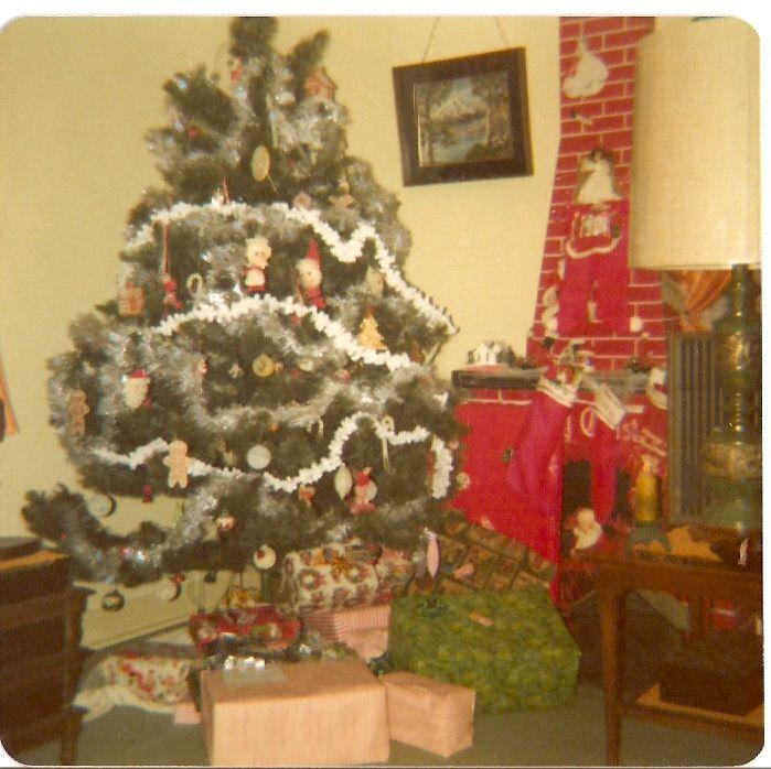 Spencer Home Yokota Air Force Base Japan West End 1974 1975 Jim Spencer 1971 1975 In 2020 Holiday Decor Christmas Tree Japan
