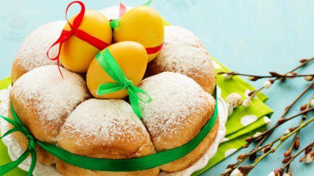 Velikonoce se kvapem blíží a je potřeba promyslet, které sladké dobroty letos budou zdobit váš slavnostní stůl. Bude to tradiční mazanec a beránek nebo vyzkoušíte něco nového?