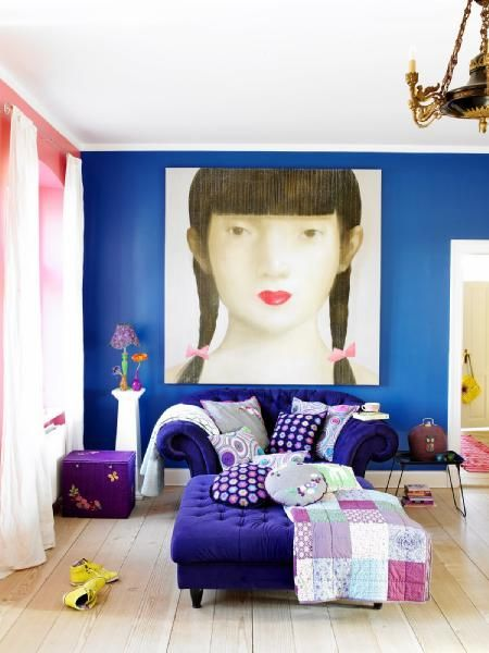 living rooms - purple sofa tufted ottoman purple blue pink oversize art wood floor Design Fragment Love the bright colors. Love the bright