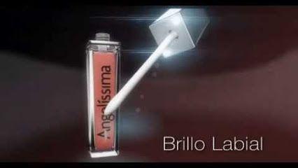 Brillo Labial con Luz (Led). Exquisito aroma, delicioso sabor, en 16 tonos y con espejo. De larga duracion e Hipoalergenico. Importado de Canada. Catalogo → http://www.angelissima.com.mx/argentina/catalogo/