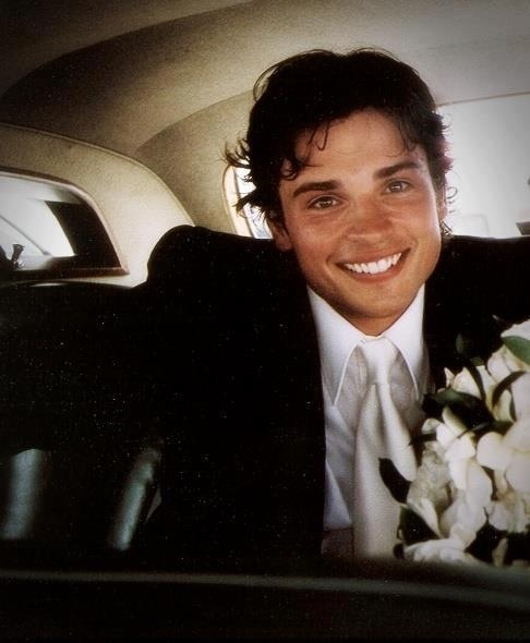 Tom Welling on his wedding day to Jamie White. | Tom ...