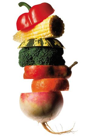 10 Easy Ways to Eat Healthy in College:   http://www.teenvogue.com/my-life/health/2014-03/healthy-college-eating
