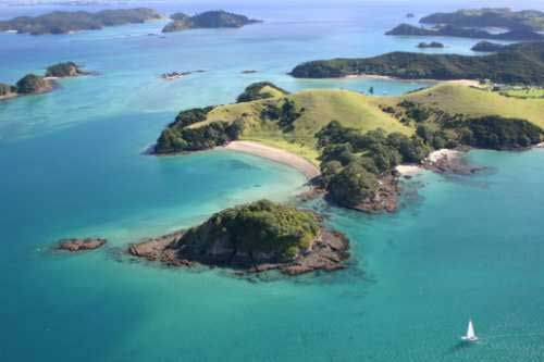 Google Image Result for http://blog.thecheaproute.com/img/paihia-islands-new-zealand.jpg