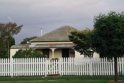 Tenterfield NSW - 1890s Colonial Domestic Architecture
