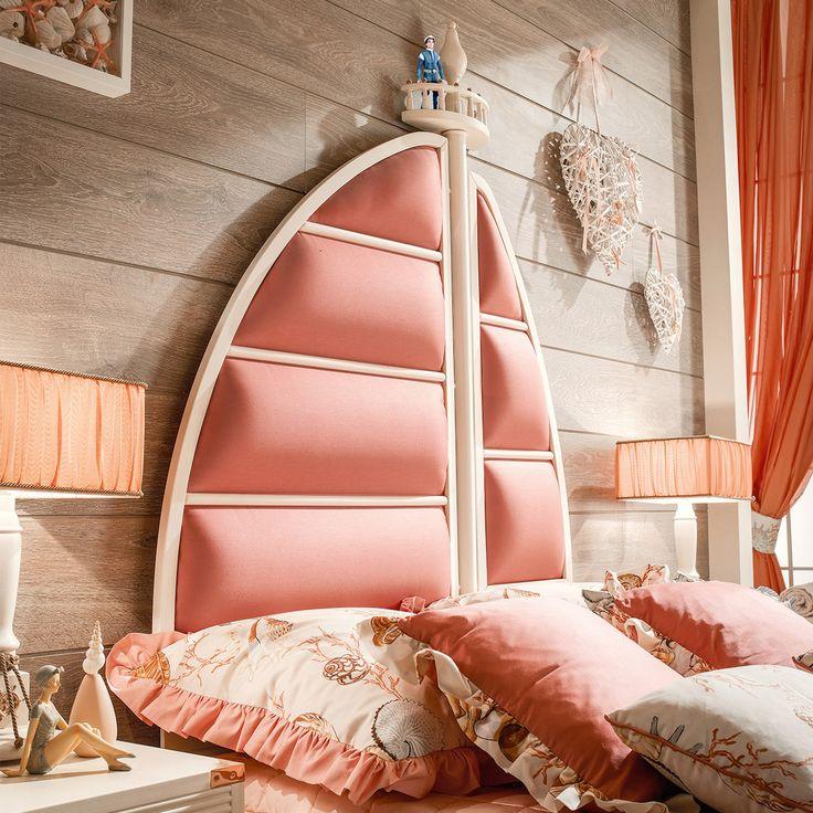 """""""I prodotti Caroti si lasciano ispirare dalle favole: Assol, la protagonista di una favola russa, ha prestato il nome ad una testata da letto, personalizzabile in un'ampia varietà di pelle, eco-pelle e tessuti. #italianstyle #madeinitaly #products #furniture #ecoleather"""