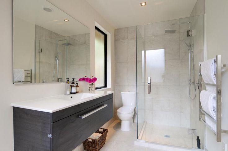 Arthur's Point House   Family Bathroom, Small Space Bathroom Design, Marble Tiled Bathroom   NZ Homes   Build me.   www.buildme.co.nz  