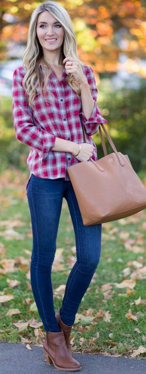 Blonde Expeditions Easy Plaid Fall Streetstyle Inspo