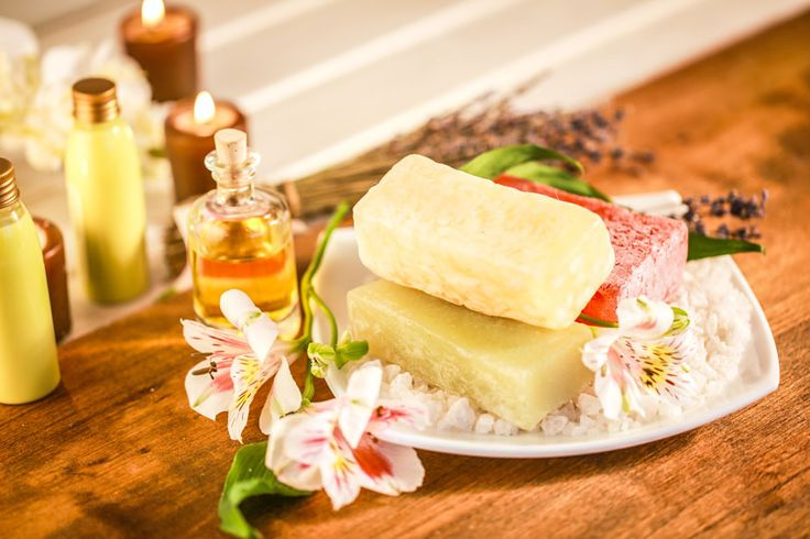 Seife schmelzen - so gehts: 3 Methoden und Anleitungen, wie Sie Seifen einschmelzen können, um neue Seifen selber zu machen ...
