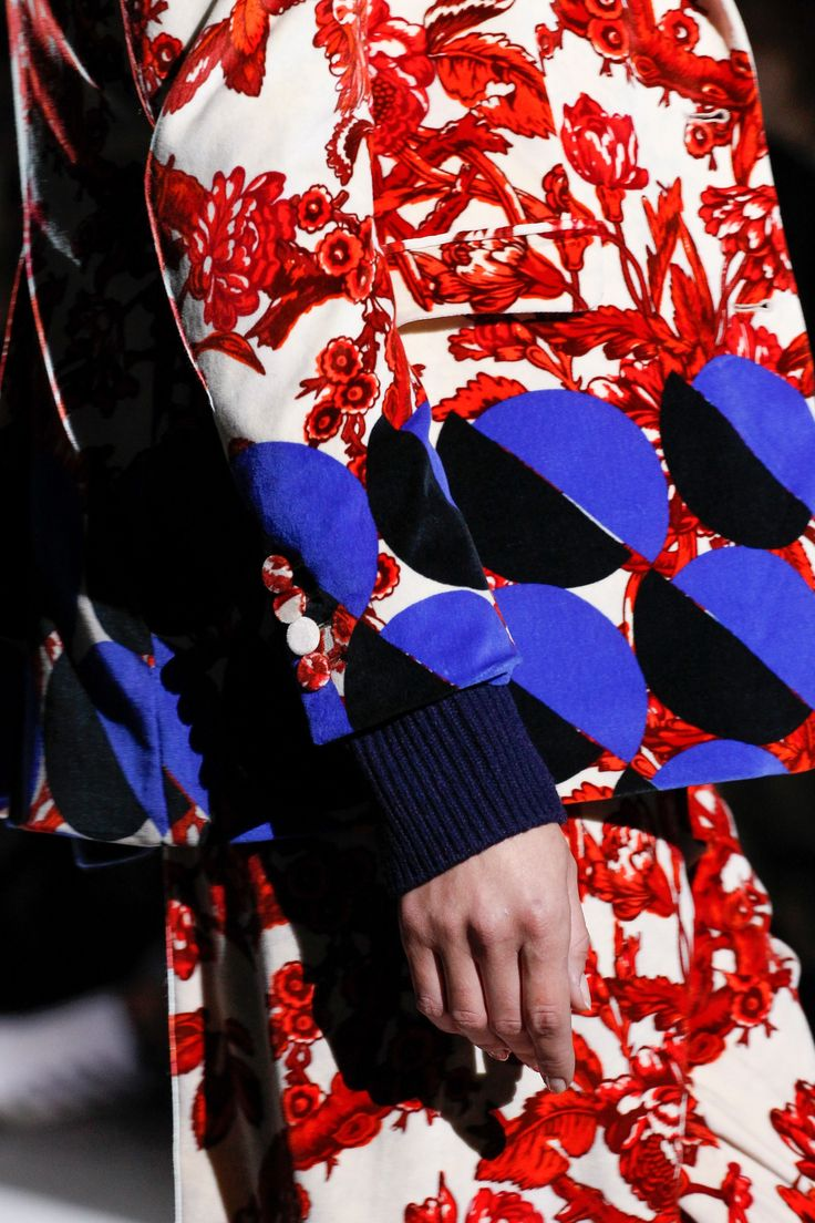 Bold blues and reds are a thing of Dries Van Noten Fall 2017 Ready-to-Wear collection