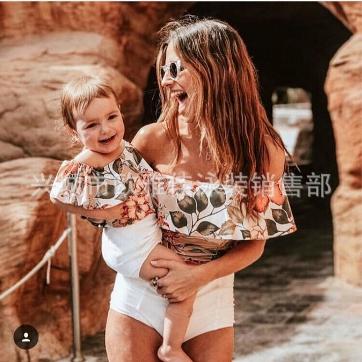 Mother Daughter Swimsuits 2019 Summer Family Matching Print Swimwear Sets Mom An…