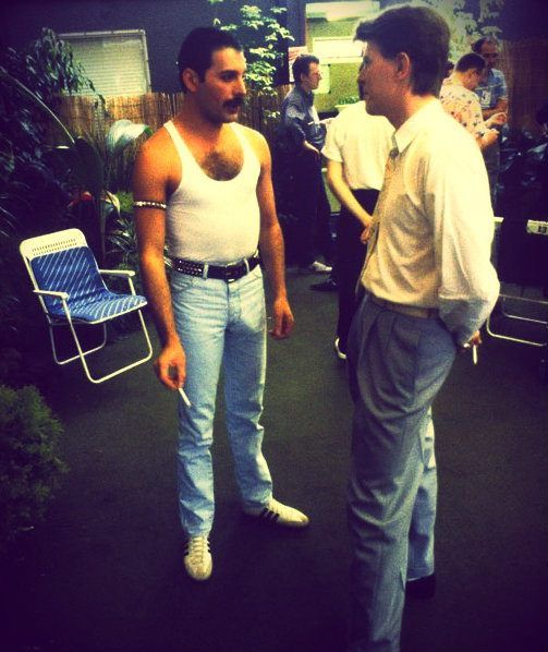 Freddie with David Bowie backstage at Live Aid, 1985.