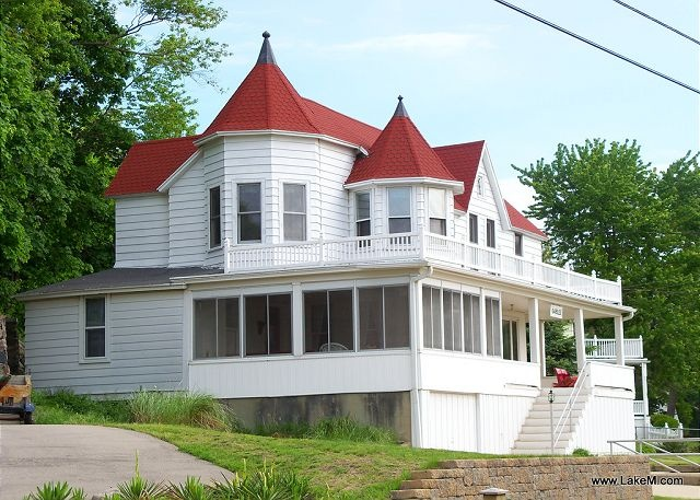 The Gables Cottage In Holland Mi Great Location But No