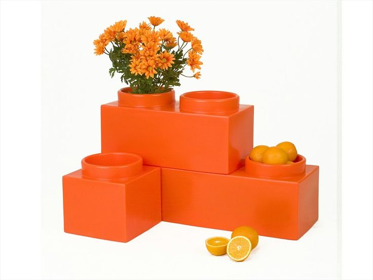Low Polyethylene Vase 100% Recyclable NELLORTO By 1825 By Serralunga |  Design Corrado Tibaldi @
