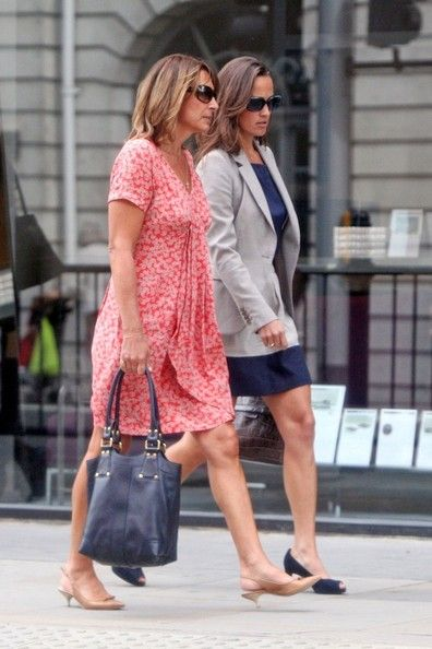 Carole Middleton Photos - NO GERMANY / SWITZERLAND .Pippa Middleton and her mother Carole Middleton show off their equally toned…