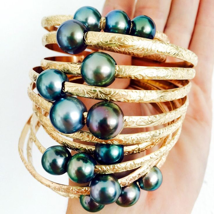 4.9mm Gold Hawaiian Heirloom Bangle + Tahitian Pearl by KaimanaHawaii on Etsy https://www.etsy.com/listing/230895996/49mm-gold-hawaiian-heirloom-bangle
