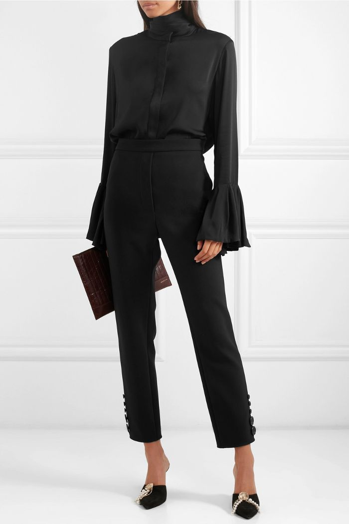 1c8ae519209bf 9 Items Powerful Women Never Wear to Work in 2019