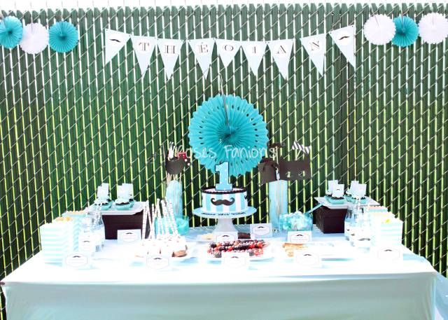 Sweet table sous le thème moustache - little nan #sweettable #tabledefetes #tablededouceurs #party #birthday