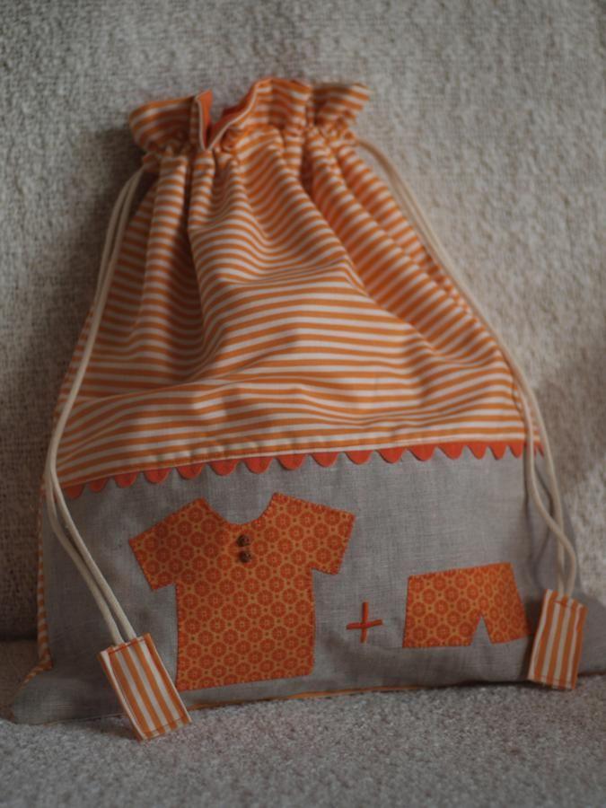 Un altre encàrrec de la Mari Carmen, li agrada molt regalar   bosses per la roba interior o les mudes dels nadons.     I és que són un mol...