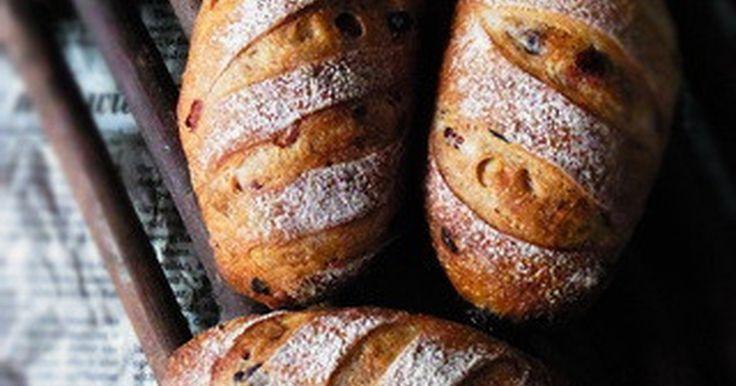 ベリーとクリチの入ったハードパン。 ありきたりだけど、間違いない組み合わせ♪ 2012'2'3 話題入りに感謝です^^