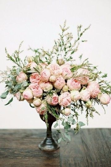 centros de mesa con flores naturales para xv años