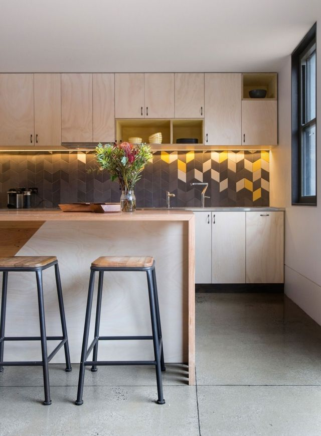 Kuchenwandgestaltung Ideen Fliesen Grau Gelb Rautenmuster
