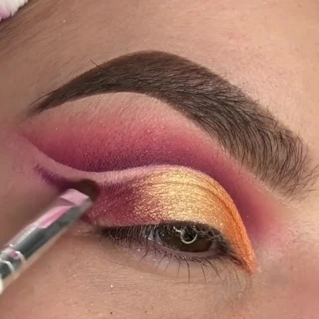 Pin On Paletas De Maquillaje