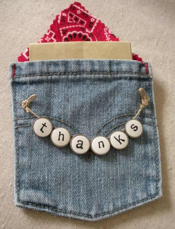 Lucky Star Lane: Crafting with a Pair of Old Jeans. Always nice to find something cute to put a giftcard in.