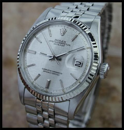 SWISS MEN'S VINTAGE ROLEX 1601 OYSTER DATEJUST, SILVER LINEN DIAL