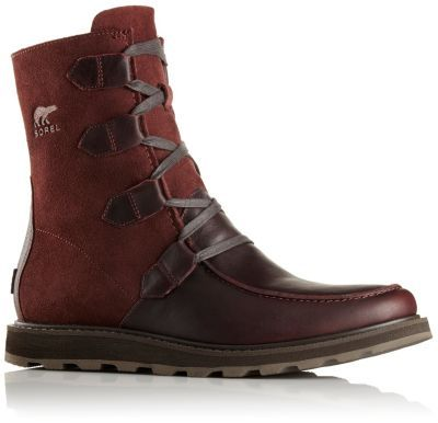 This sharp looking mid features over-sized leather eyelets on a full-grain suede leather upper with a surefooted, molded rubber outsole. With its low-profile top, these boots work with pretty much any pair of jeans.