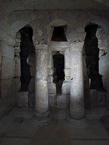 Cripta de San Antolín en la catedral de Palencia.