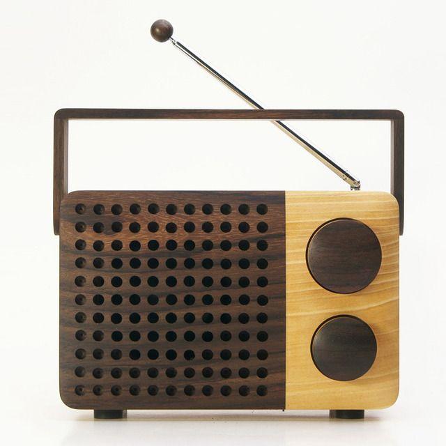 【iPodとつなぎ、スピーカーとしても使える木のラジオ】IKoNO++/イコノ ツープラス(AM・FMラジオ、AUX-in、AUX-out) | magno