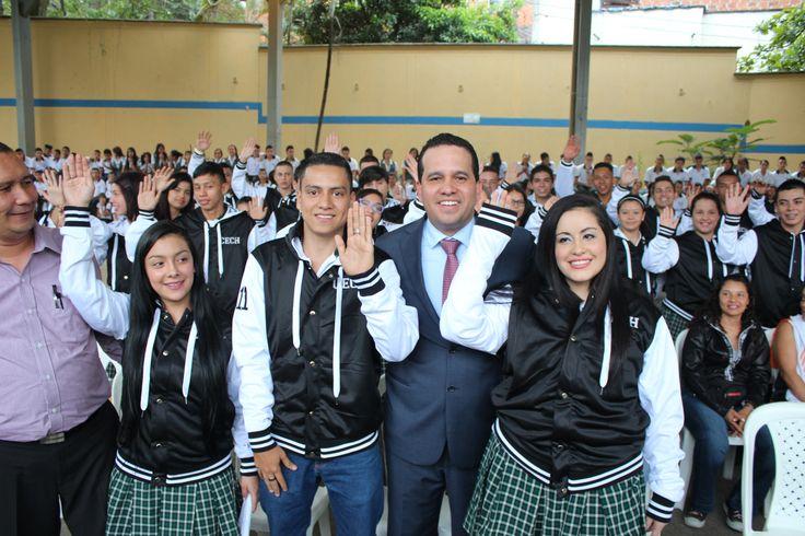 Entrega de chaquetas Prom 2015 a los alumnos de la I.E Carlos Enrique Cortés