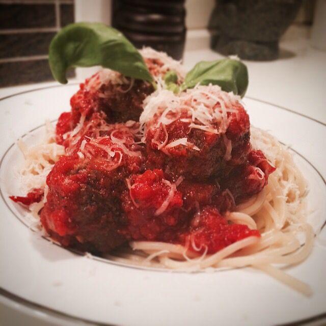Spagetti med kjøttboller