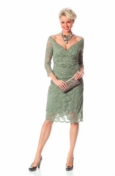 Subtiel kanten jurkje speciaal voor de moeder van de bruid!