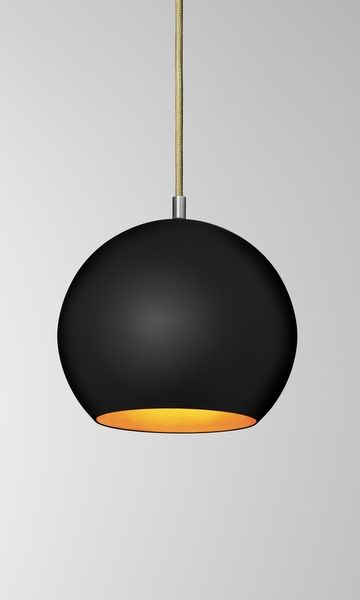 Topan black/gold 2995,-