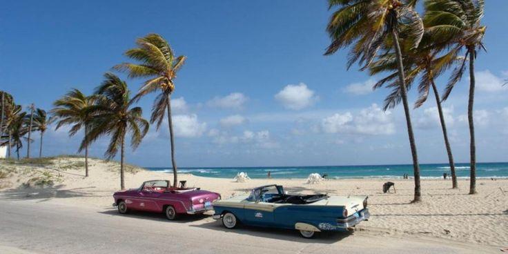 Incentives - KUBA - Sonriso | Travel in Style Cóż można powiedzieć o tak malowniczej wyspie jak Kuba? Wystarczy wspomnieć o pięknych, ciągnących się kilometrami plażach, błękitnych wodach Karaibów, kubańskich cygarach i trunkach, żeby oddać niesamowity klimat tego rejonu świata. Nadmorskie kurorty Kuby kojarzą się z sielanką, arkadią pełną kołyszących się palm, luksusowych hoteli i szeregiem proponowanych tu różnorodnych rozrywek.
