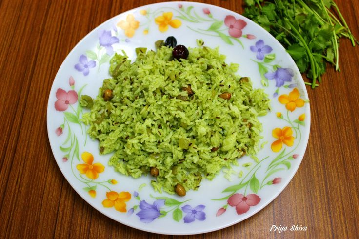 The aromas of my kitchenette : Kothamalli rice / Coriander rice - an absolutely scrumptious authentic Indian coriander rice from my favourite Indian food blogger. Plenty of fresh coriander, delicately fragrant with other spices, so good I eat it plain.      |     Organize and save your favourite recipes OFFLINE on your iPhone or iPad with @RecipeTin! Find out more here: www.recipetinapp.com      #recipes #vegan