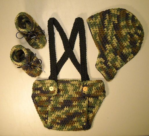 Free Crochet Pattern: Camouflage Set of Hat, Diaper Cover, and Booties