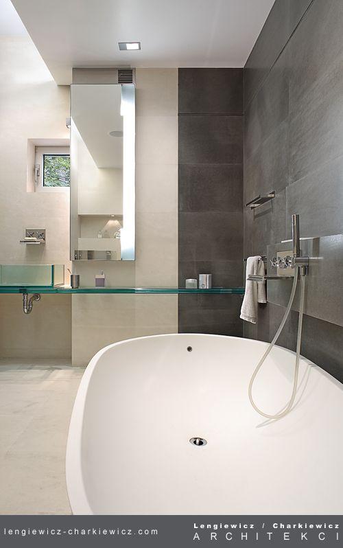 Wnętrza luksusowej rezydencji w Konstancinie. Łazienka. Projekt i realizacja: lengiewicz-charkiewicz.com #bathroom (fotografia: Hanna Długosz)