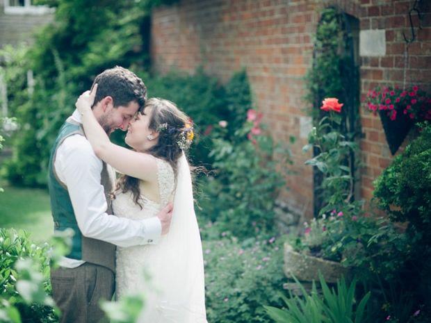 Kate McIntyre and Thomas Andrew Skinner chose magic for their Hobbit-themed wedding at The Fleece Inn in #Evesham  Image © The Wedding Cut. #realweddings.