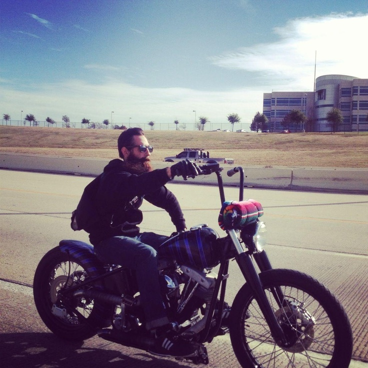 Aaron Kaufman of Fast 'n Loud / Gas Monkey Garage.. Love this bike!