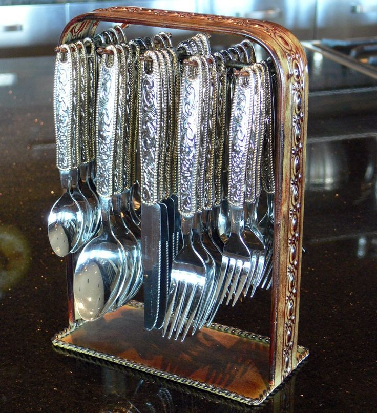 Western Buckle Flatware Set w/ Rack (41 pc set)