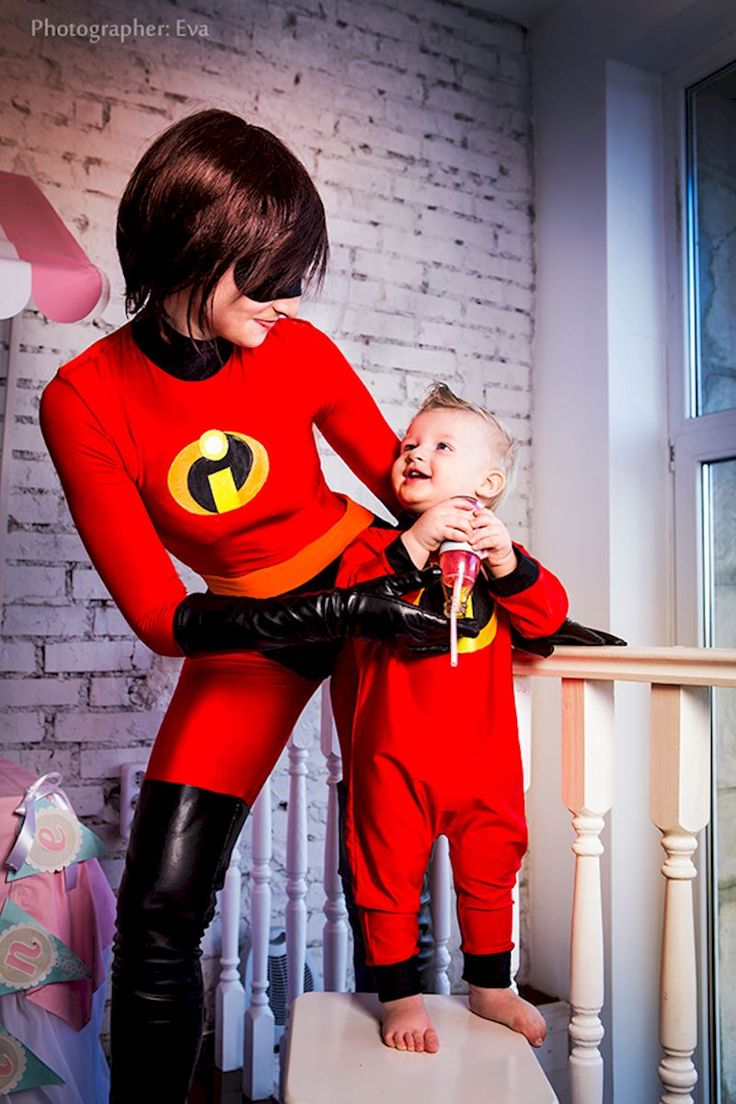 The Incredibles Cosplay: Mom and Son as Elastigirl and Jack-Jack | The RPF Pulse