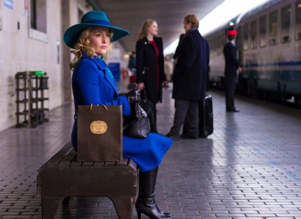 Gillian Anderson as Carmen Sandiego Bedelia du Maurier in Hannibal, Season 3
